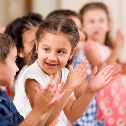 Aktiviteter i Tyresö Bygdegård, barnteater, yoga, vävning och festlokal
